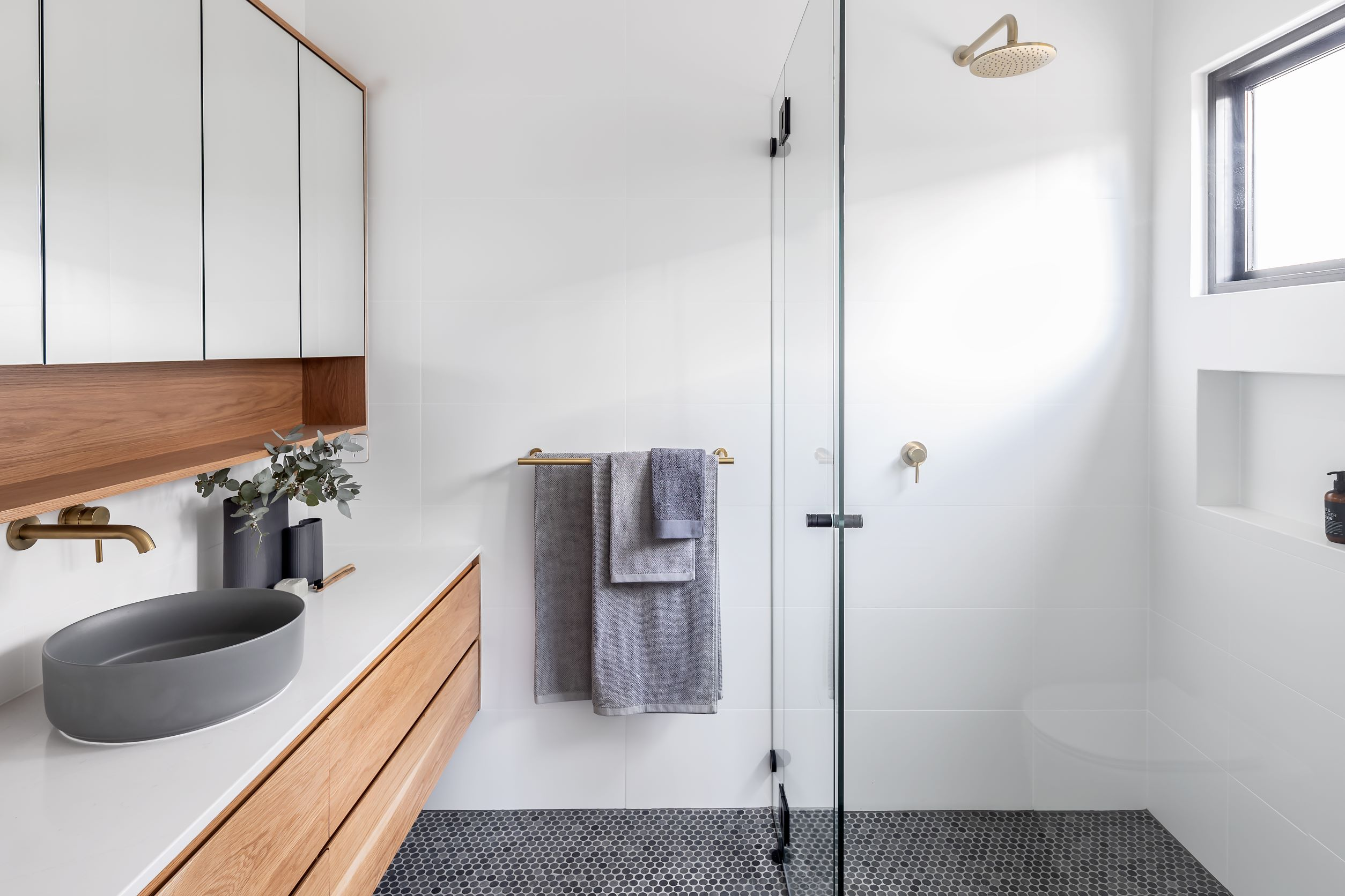 aaron-martin-constructions-dawson-street-project-bathroom