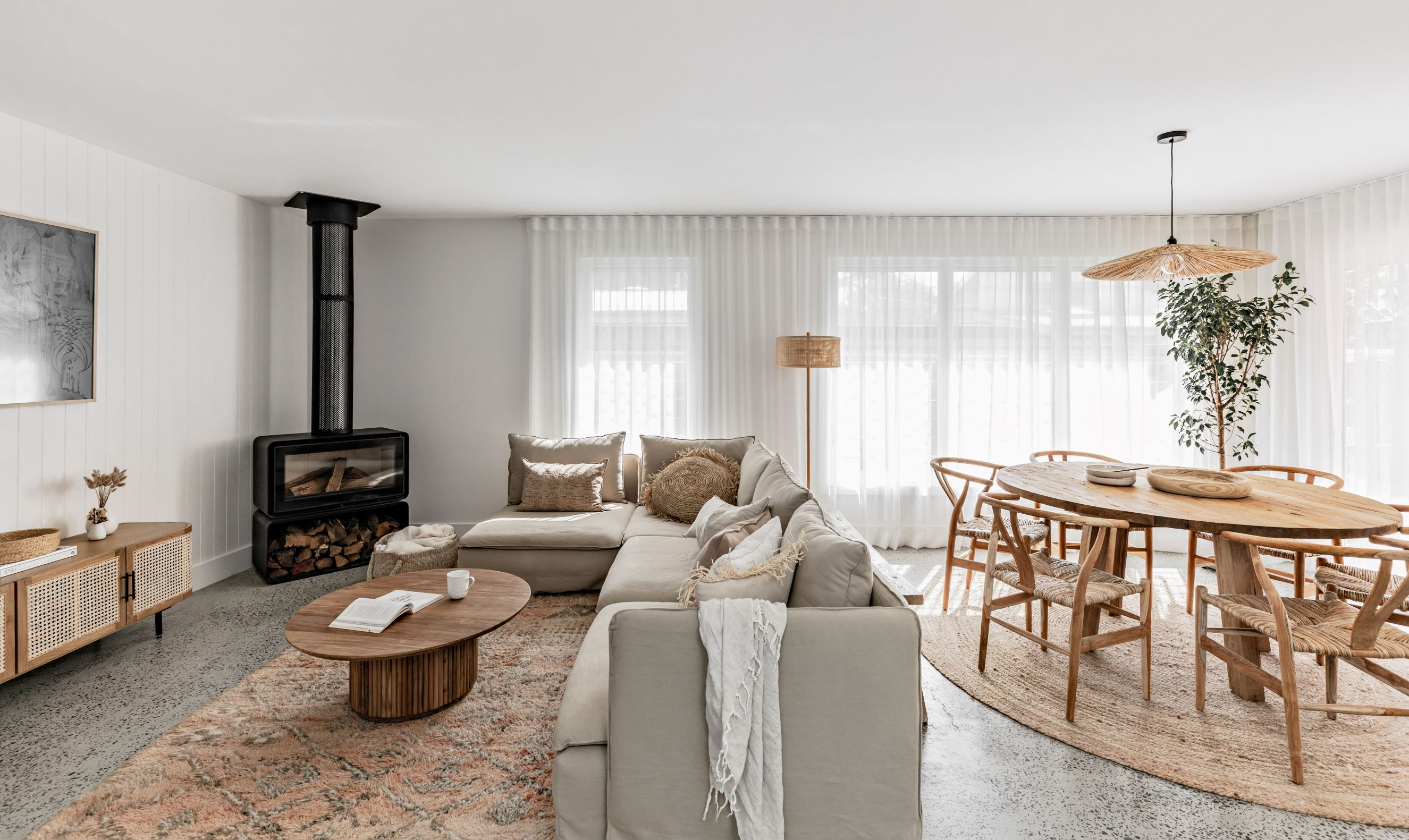 berkeley-vale-cottage-ama-studio-interiors-renovation-dining-living-room
