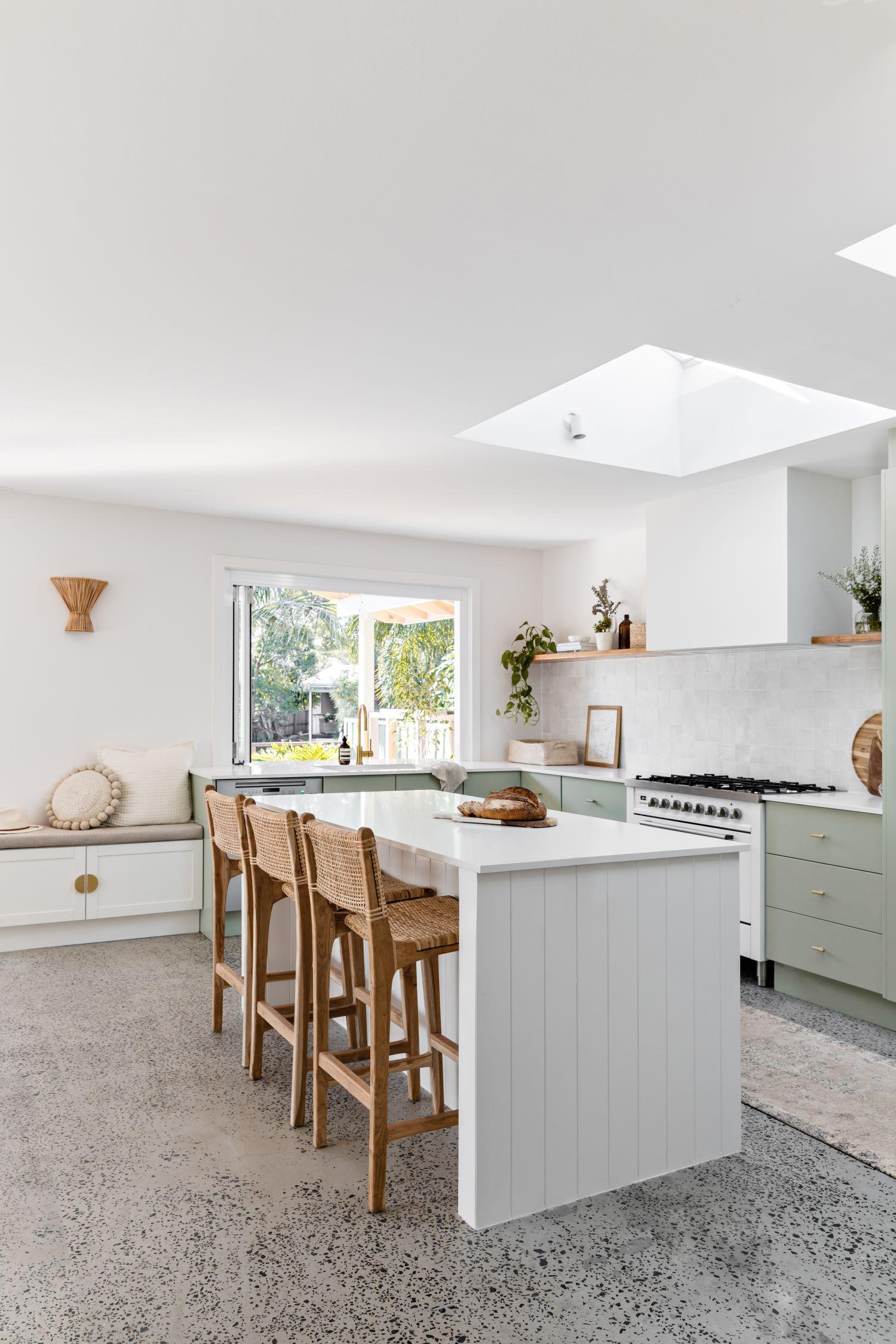 berkeley-vale-cottage-ama-studio-interiors-renovation-island-bench