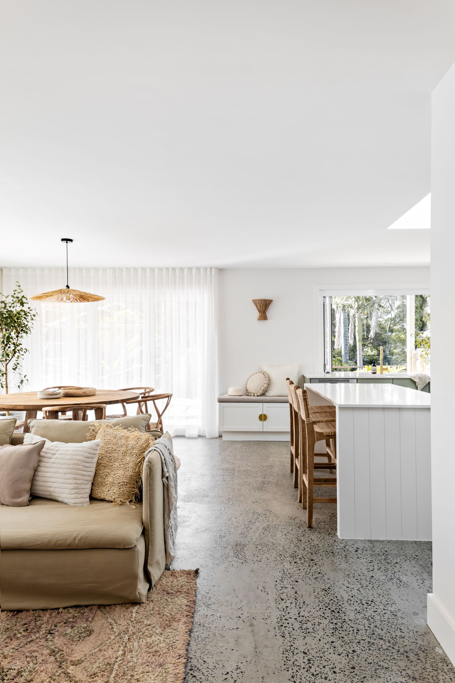 berkeley-vale-cottage-ama-studio-interiors-renovation-polished-concrete