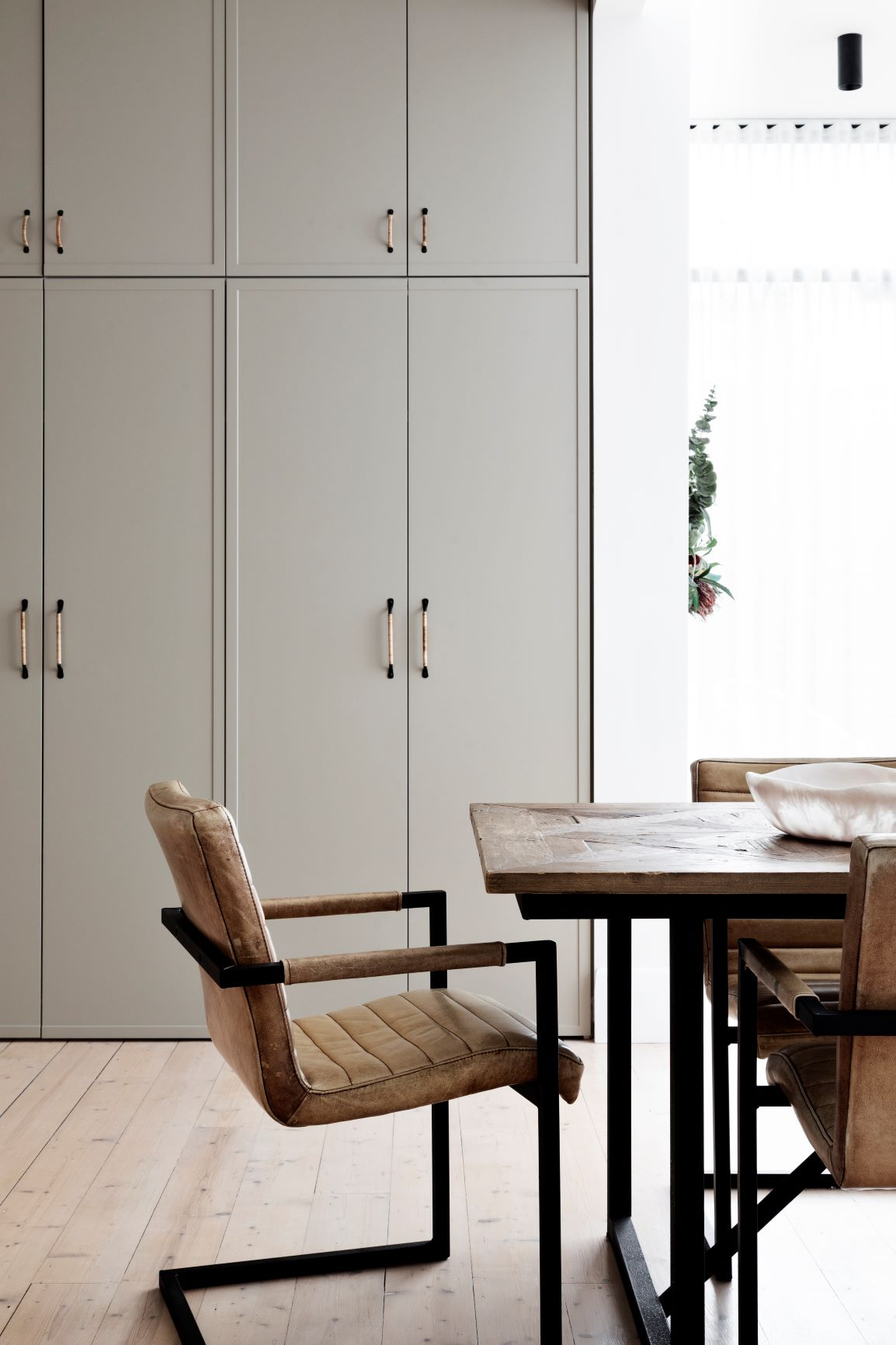 Alison Lewis Interiors Cecil Street Project Dining Furniture