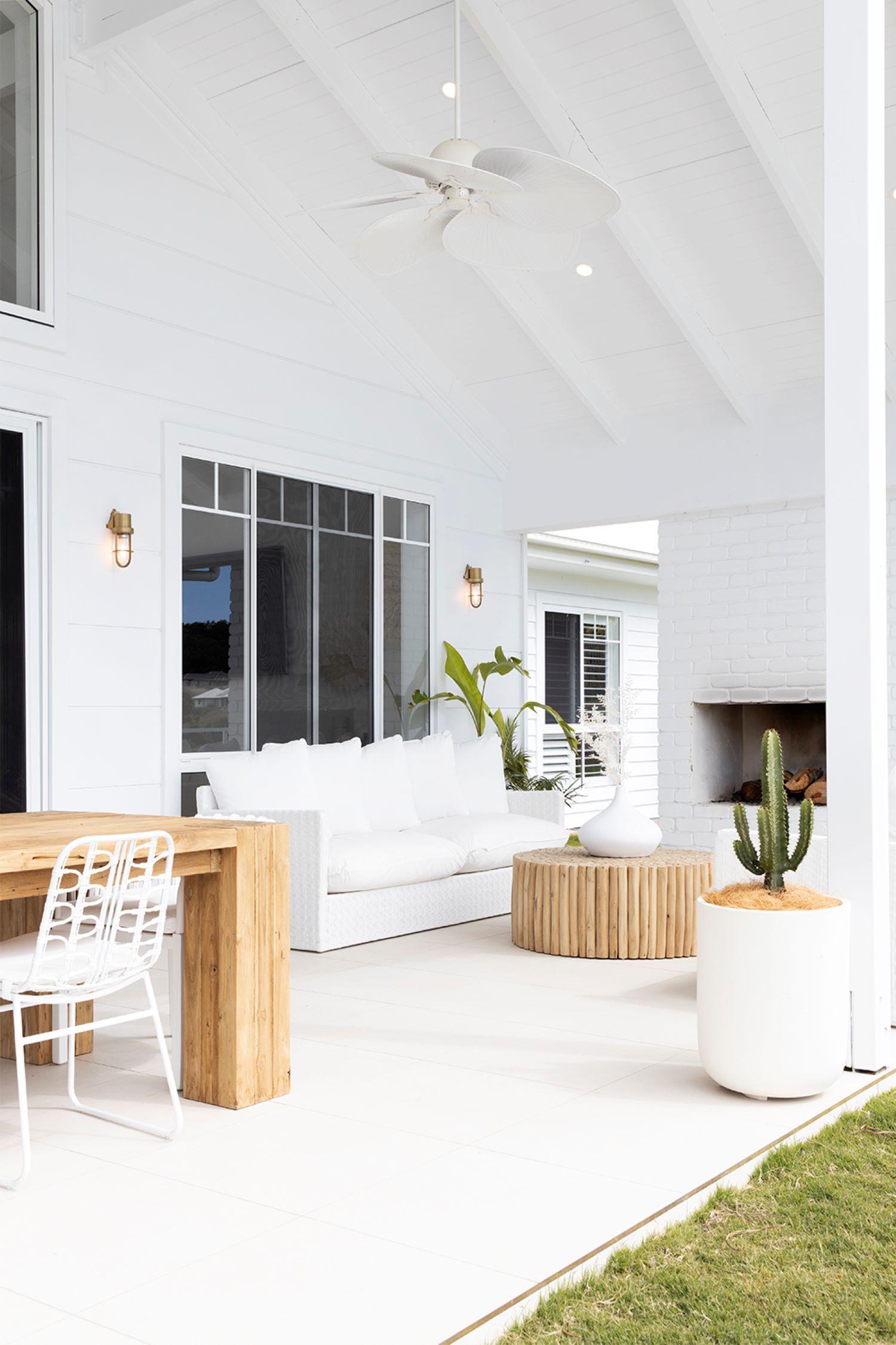 the-coastal-barn-dream-home-alfresco