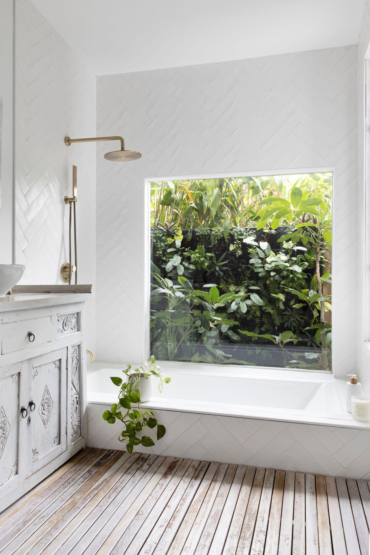 coastal style guide - natural light shower