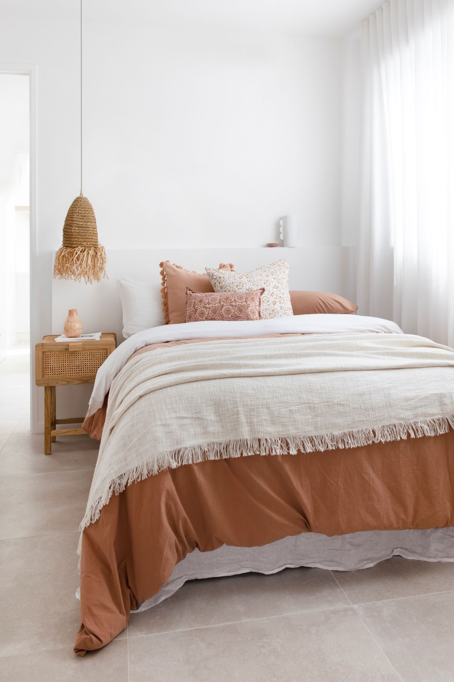 coastal style guide - bedroom styling