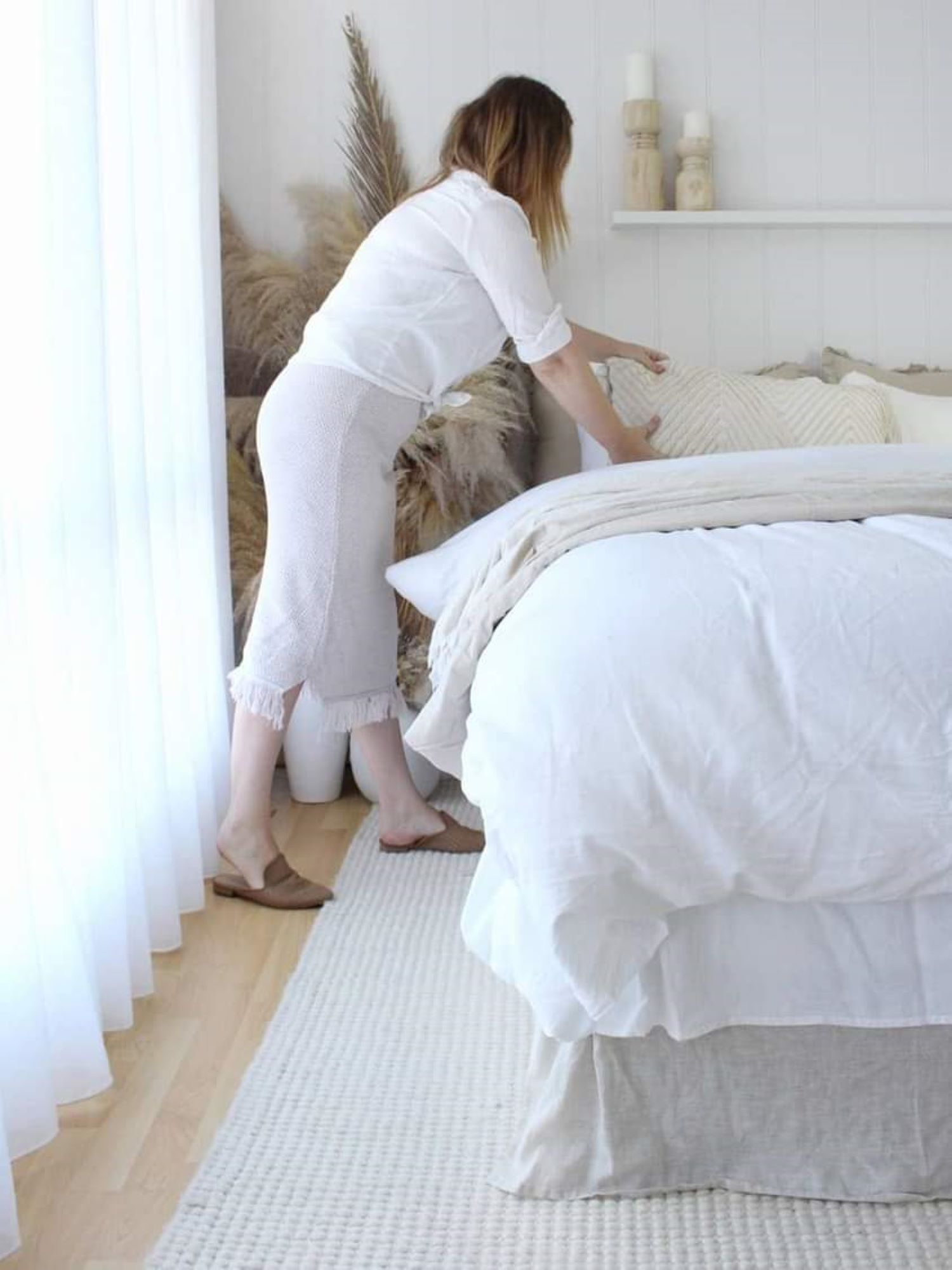 Zoe Gilpin from The DIY Decorator Styling Bed Linen