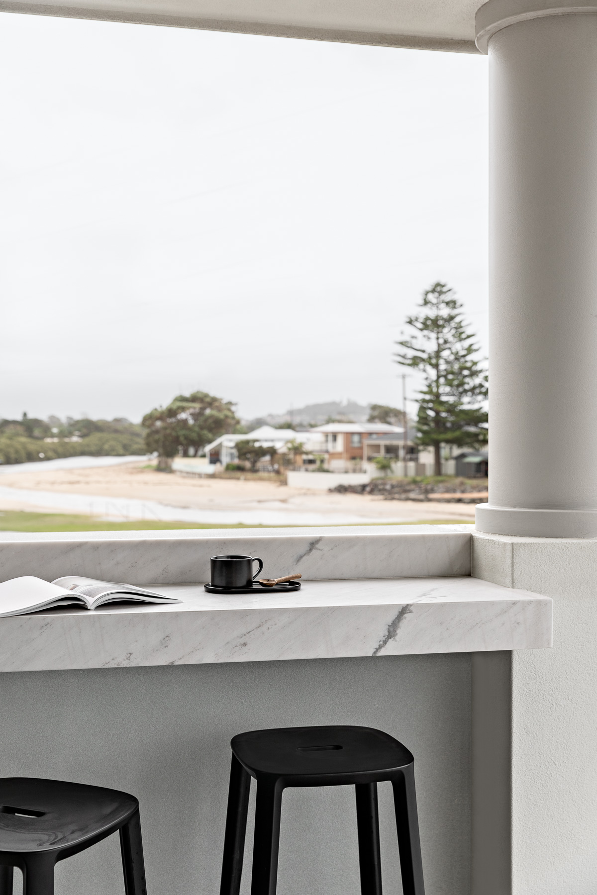tameka-moffat-design-modern-kitchen-bench-lookout