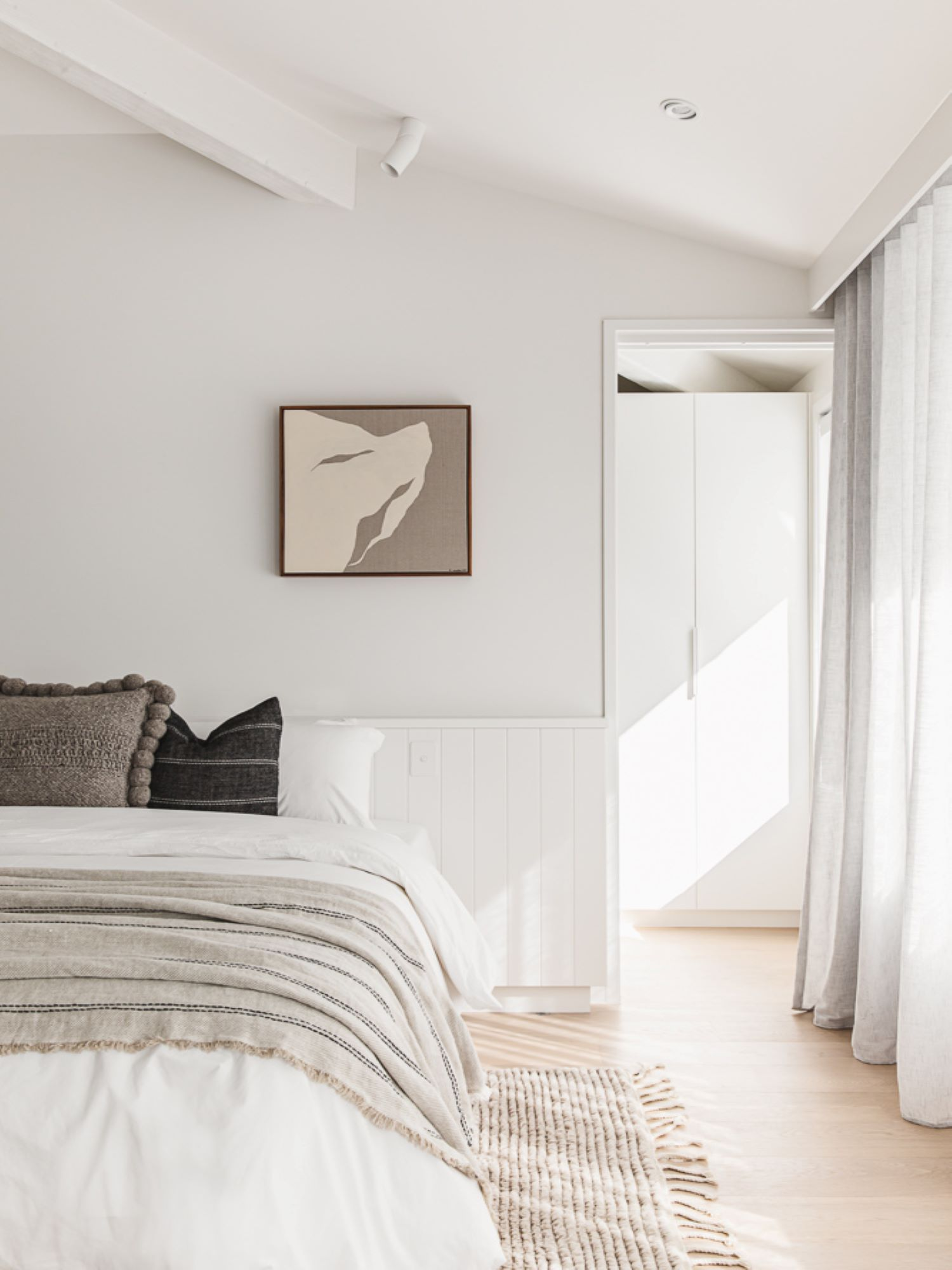 noa-by-the-beach-bedroom-wall-panelling
