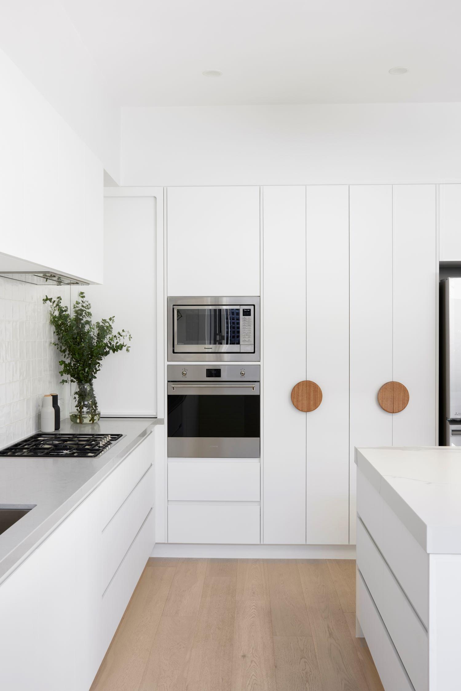smarterbathrooms+-malvern-kitchen-pantry-doors