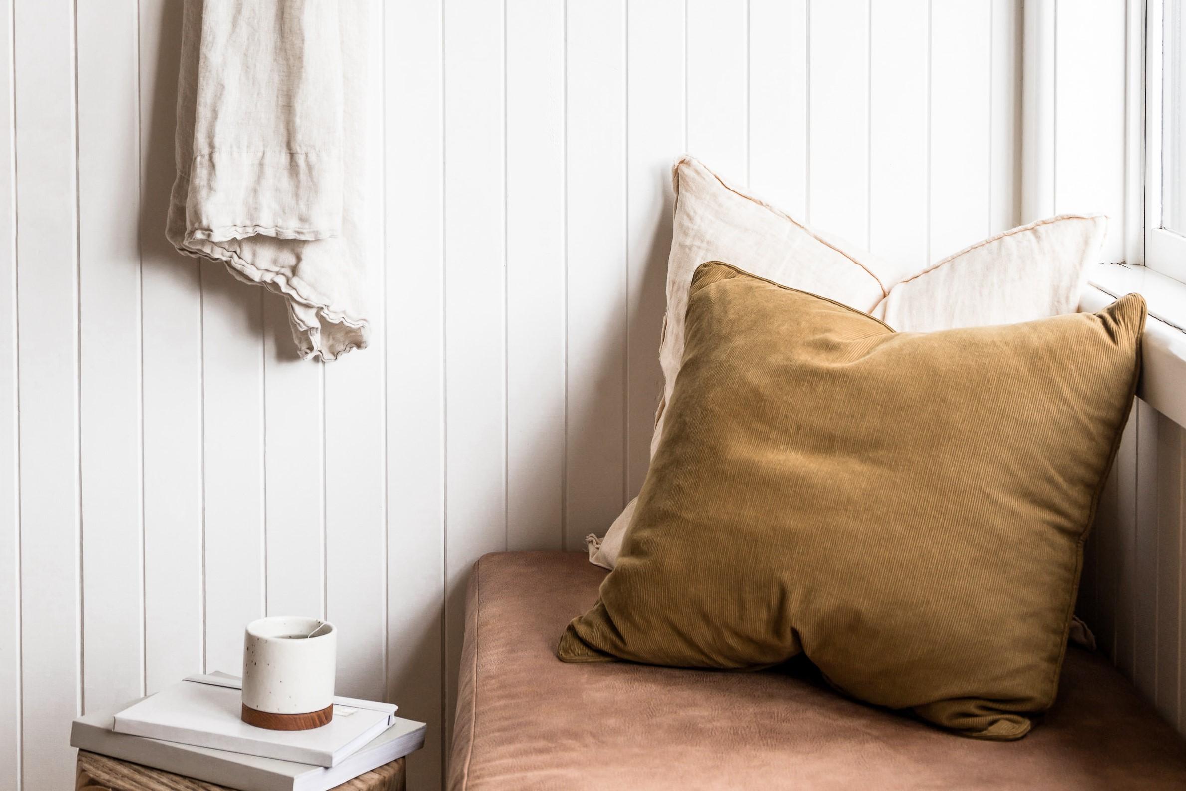 wabi-sabi-reading-nook-interior-design