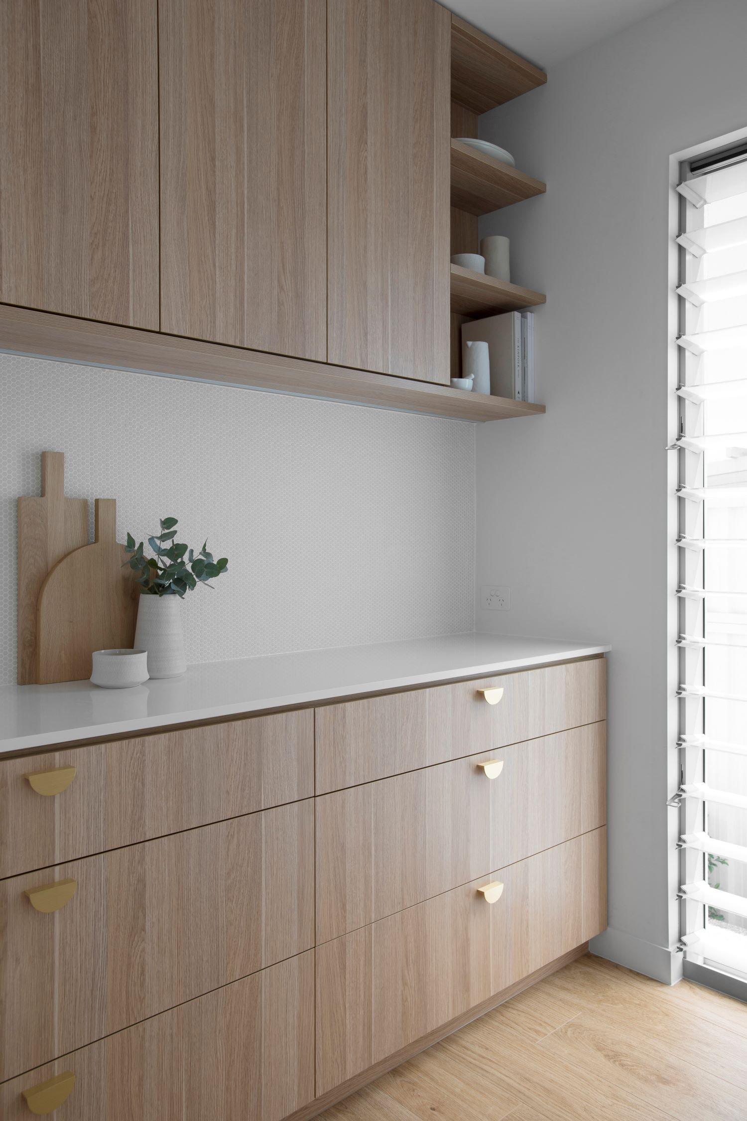 zephyr-stone-interior-design-influencers-coastal-butlers-pantry