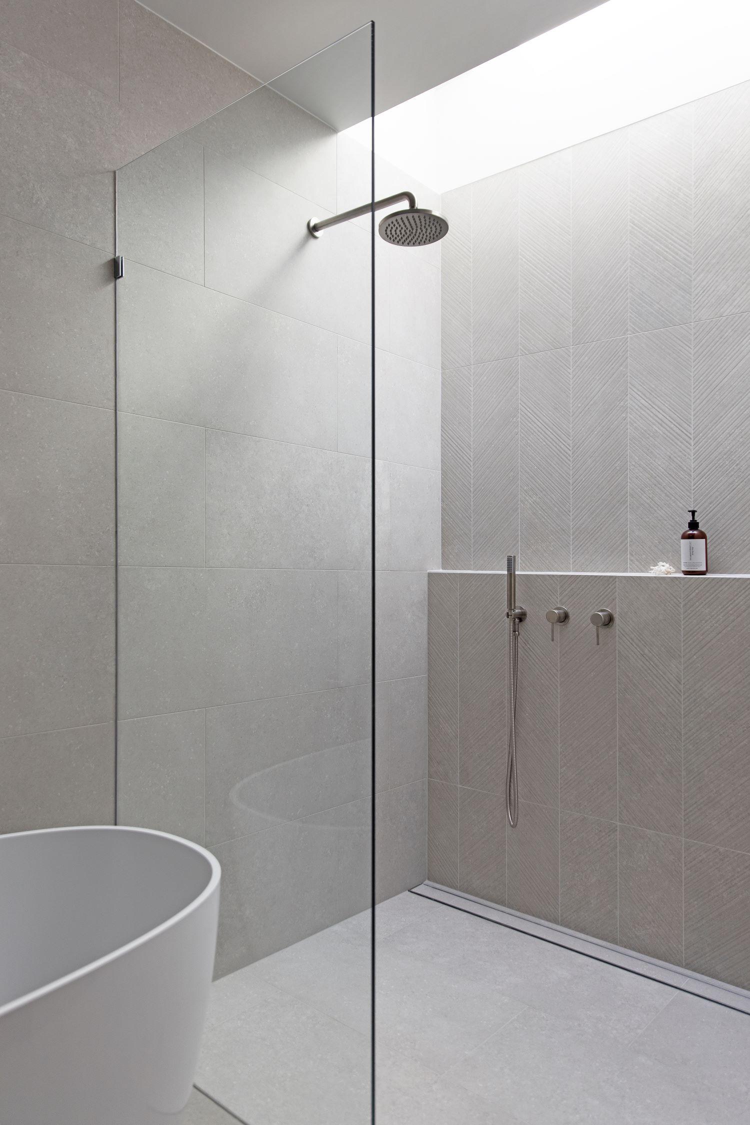 zephyr-stone-interior-design-influencers-scandi-bathroom-shower